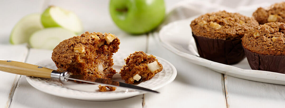 Diet Recipe of Apple Muffins with Cinnamon-Pecan Streusel